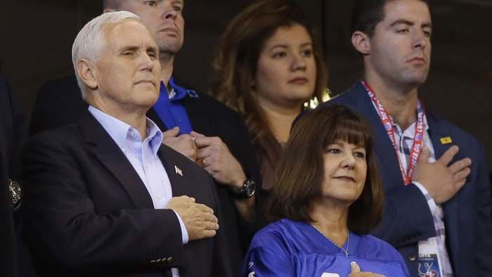VP+Mike+Pence+Leaves+Colts+Game+Because+of+National+Anthem+Protesting