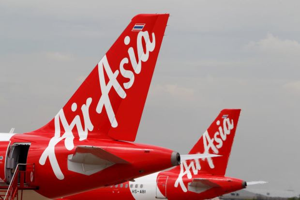AirAsia+Flight+Crew+Criticized+for+Screaming+As+Flight+Drops+20%2C000+Feet