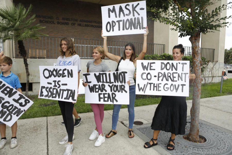 Anti-maskers+at+the+Sarasota+County+School+Board.+